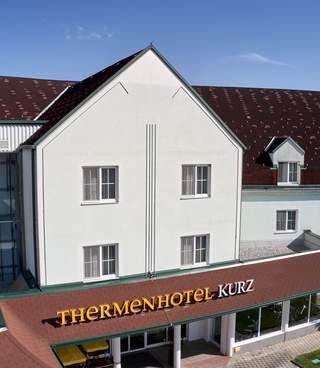 Thermenhotel Kurz Aussenbereich