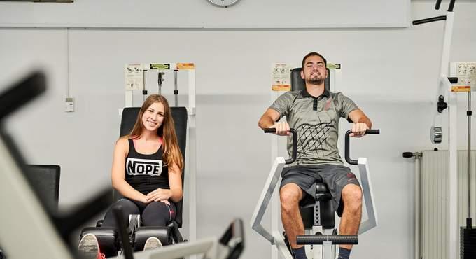 Training für Schulter und Beine