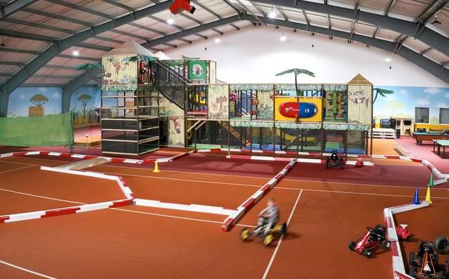 Indoor Playground mit Go Kart Bahn
