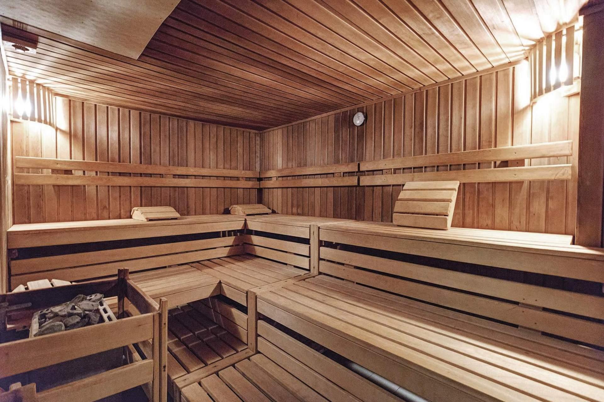 Schwitzen in der Finnischen Holzsauna
