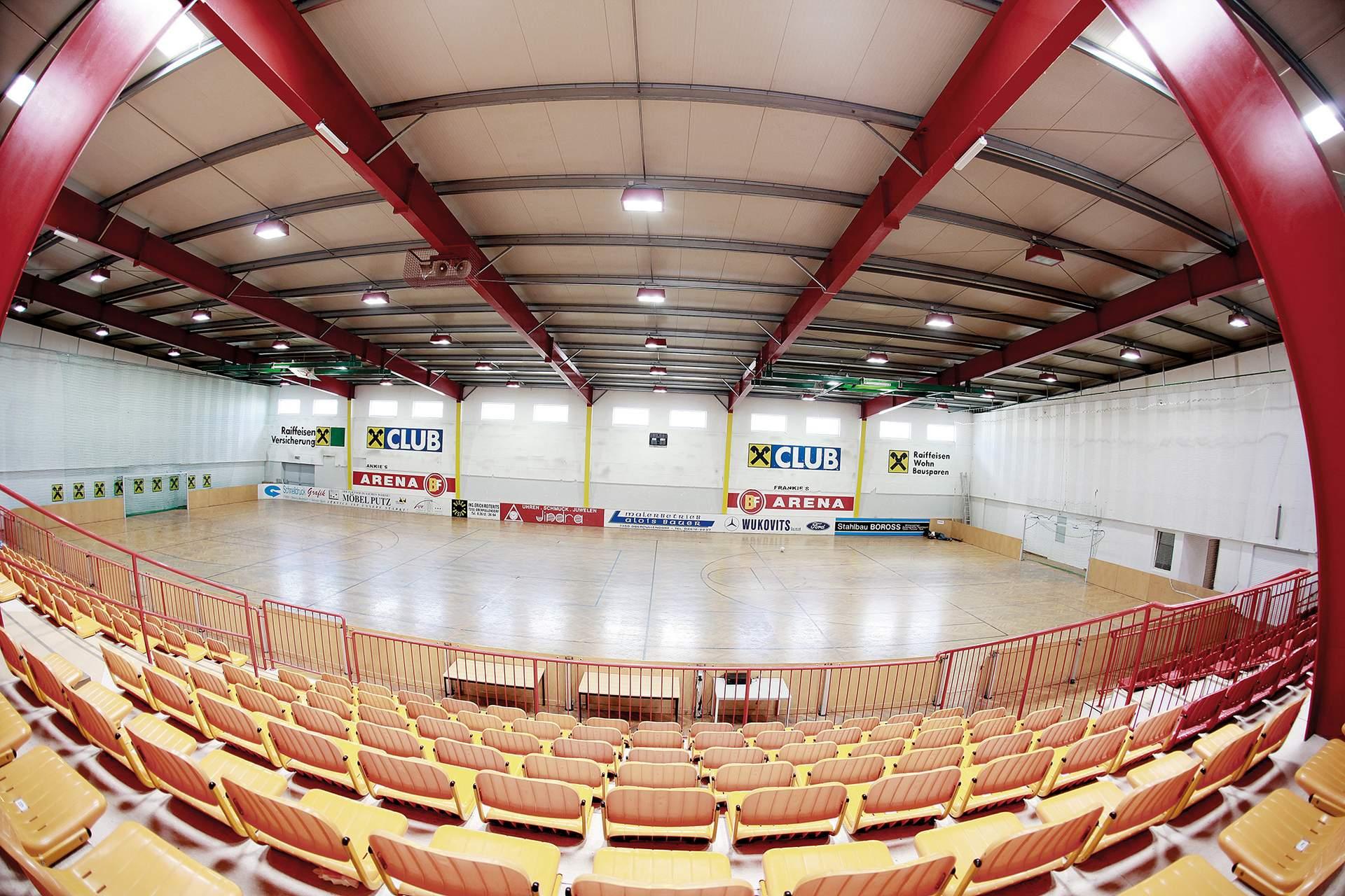 Sport- & Mehrzweckhalle