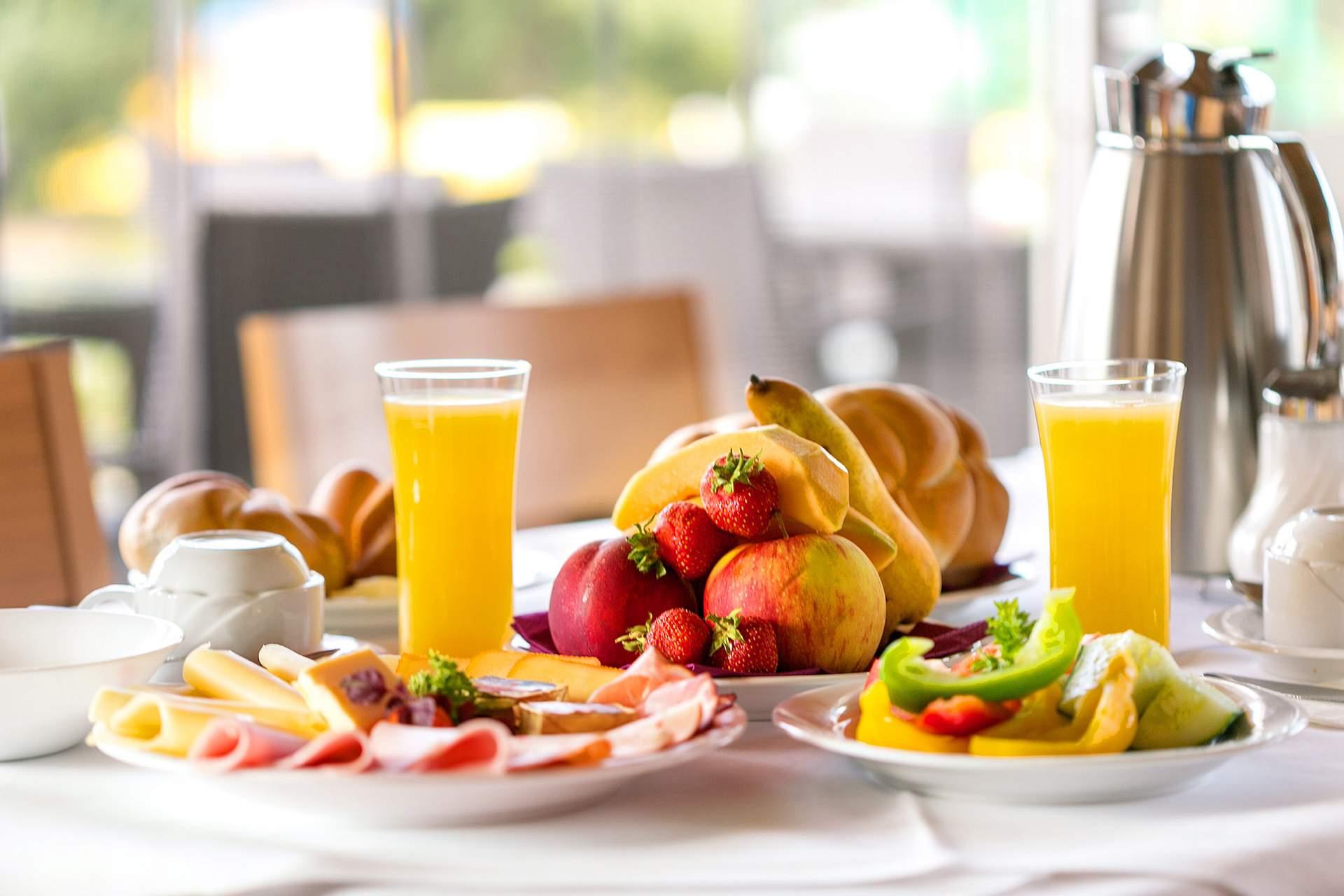 frühstücken im Thermenhotel Kurz