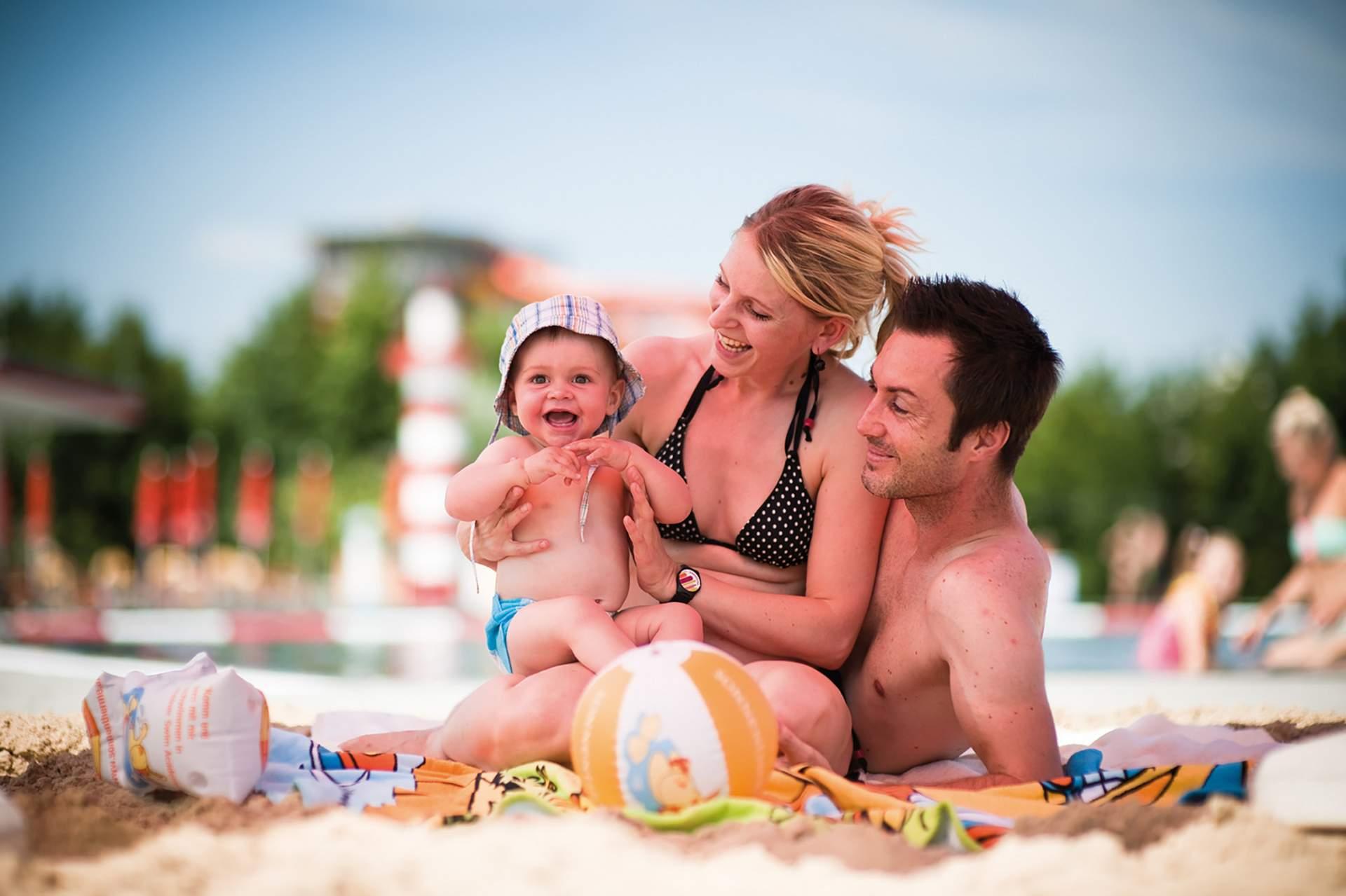 Famile mit Baby