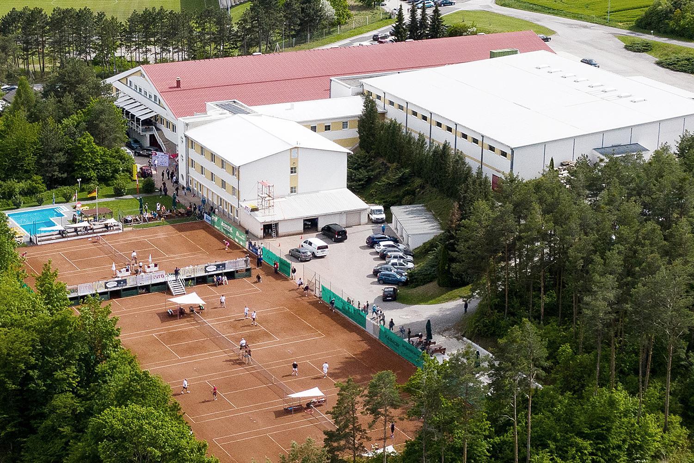 Hotel mit Tennisplätze