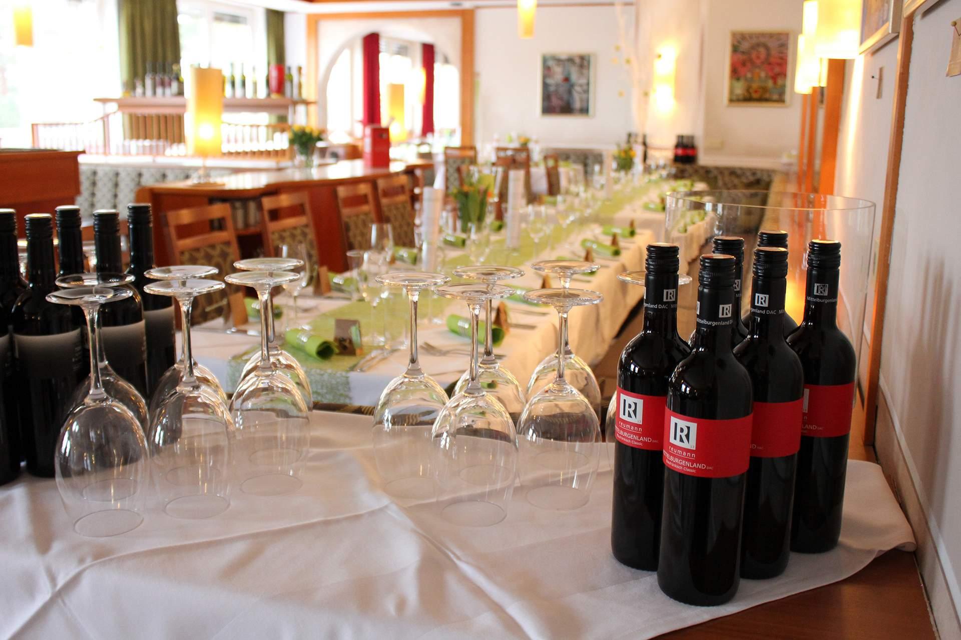 Speisesaal mit Weine