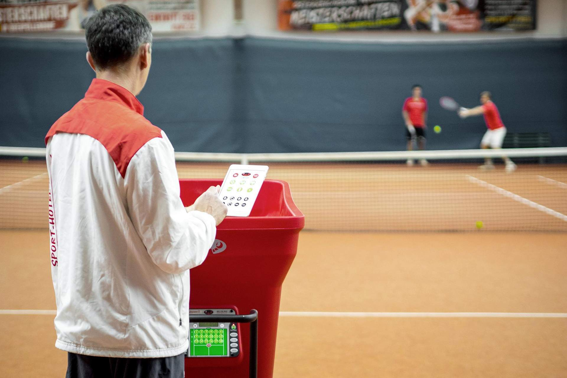 Modernste Tennis Ballwurfmaschine