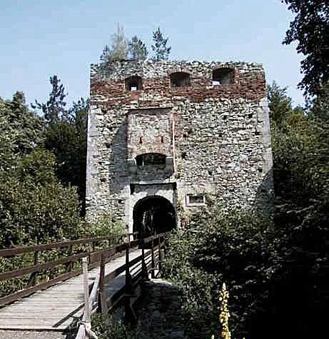 Ruine in Landsee