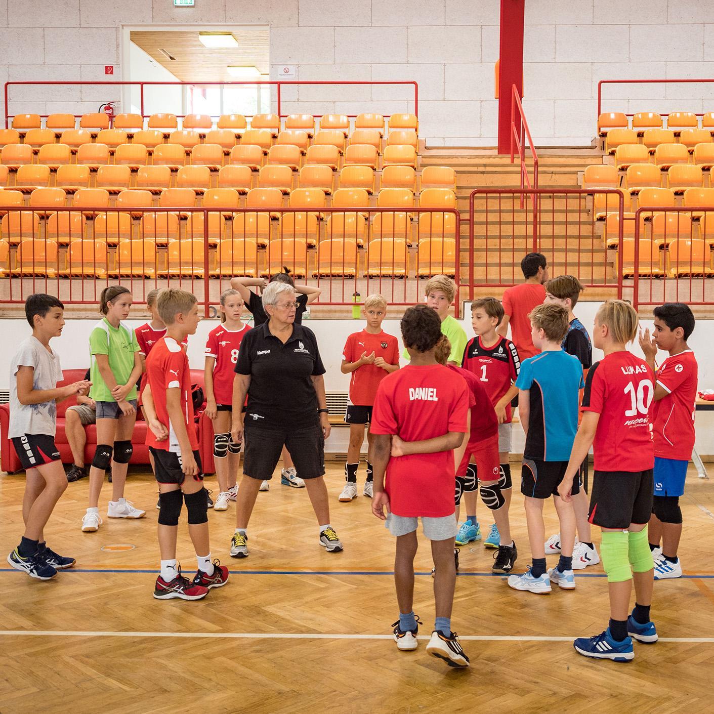 Volleyballcamps in der Mehrzweckhalle